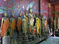 Une serie de bouddhas du Wat Xieng Thong (Photo prise par isriaya)