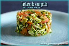 Tartare de courgette aux olives vertes - https://www.quelquesgrammesdegourmandise.com/tartare-de-courgette-aux-olives-vertes/