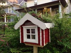 little free library, love the garden on the roof