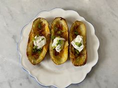 Kitchen Cactus: Potato Skins Russet Potatoes, Potato Skins, Simply Recipes, Easy Weeknight Dinners, Roasting Pan, Cheddar Cheese, Starters, Baked Potato, Cravings