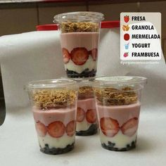 Memo Mtz Fit added a new photo. Healthy Smoothies, Healthy Drinks, Smoothie Recipes, Healthy Snacks, Parfait Recipes, Shake Recipes, Healthy Breakfast Recipes, Healthy Recipes, Little Lunch