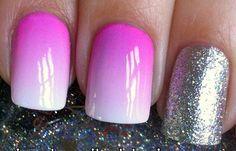Diseños de uñas con esponja impregnada, diseño de uñas con esponja plata.  Follow! #uñasbonitas #acrylicnails #uñassencillas