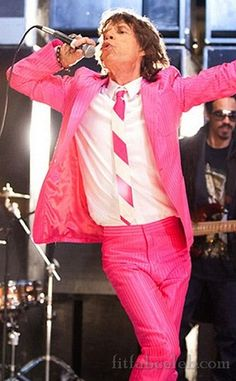Mick Jagger on stage with The Rolling Stones in a hot pink suit… Melanie Hamrick, Mick Jagger, Rock And Roll, Pop Rock, The Rolling Stones, Georgia May Jagger, Pink Love, Pretty In Pink, Hot Pink