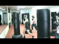 Worlds Greatest Kickboxing Workout To Be Honest. Tae Bo Workout, Home Boxing Workout, At Home Workouts, Studio Workouts, Cardio Boxing, Workout Diet, Body Workouts, Kick Boxing, Squat