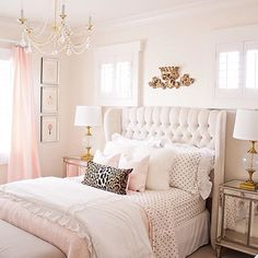This is the perfect girls bedroom, isn't it?!?!  Love how my friend @randigarrettdesign designed her daughter's room  Definitely one of favorites for sure! Please head on over to Randi's beautiful feed now to get more design inspiration  and while you are there please check out her blog as well! You'll love it!!! #OnetoFollow #FollowFriday #FF #HappyFriday