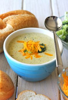 Cream of Broccoli Cheese Soup - Damn Delicious! - Change out the flour to something else. Soup Recipes, Cooking Recipes, Healthy Recipes, Cooking Tips, Broccoli Cheese Soup, Broccoli Cheddar, Cheddar Cheese, Cream Of Broccoli Soup, Broccoli Alfredo