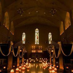 セレス高田馬場サンタアンジェリ 結婚式場写真「伝統のゴシック様式の造りをそのままに サンタ・アンジェリ大聖堂」 【みんなのウェディング】