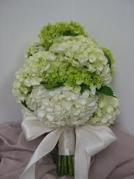 ivory and green hydrangea bouguet