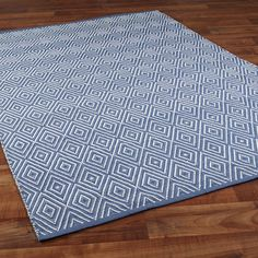 Indoor Outdoor Concentric Diamond Rug: 8 Colors