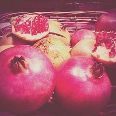 Il raccolto della donenica #melograni #pomegranates #happiness #wellness #love #Sunday #autumn #country #instalove #instalike #creoeco #lifestyle  FOLLOW US ON: facebook.com/CreoEco pinterest.com/CreoEco instagram.com/CreoEco it.dawanda.com/shop/creoeco