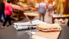 Italian Coffee, Iced Coffee, White Wine, Alcoholic Drinks, Tableware, Recipes, Food, Italian Cafe, Dinnerware