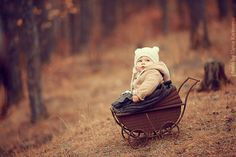 Children And Animals Cuddle In Cute Photoshoots By Russian Photographer Elena Karneeva Beautiful Little Girls, Beautiful Children, Beautiful Babies, Happy Pictures, Childhood Days, Child Life, Inspiration For Kids, Children And Family, Bored Panda
