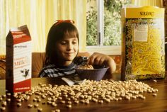 Mara Wilson appears in the 1996 film 'Matilda. Mara Wilson, Danny Devito, Roald Dahl, Gremlins, Girl From Matilda, Movies Showing, Movies And Tv Shows, Matilda Movie, Matilda Cast