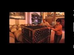 """Locutores de documentales. Locutora Mar. Locución """"Vinos de Chinchilla"""" http://www.locutortv.es/documentales.htm"""