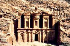 Antrophistoria: Petra, la Ciudad Rosa del desierto jordano.