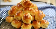 Resep Roti Unyil Keju Favorit Papa+anak2 ( Mini Cheesy roll bun)  oleh Tintin Rayner - Cookpad