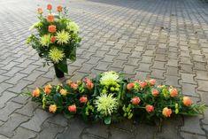 Stylowi.pl - Odkrywaj, kolekcjonuj, kupuj Funeral Flower Arrangements, Funeral Flowers, Floral Arrangements, Grave Decorations, Arte Floral, Ikebana, Floral Design, Bouquet, Tropical