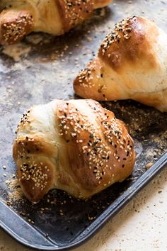 Rosemary Seeded Bread Knots   Perfect simple staple for everyday bread and fancy enough for entertaining.   www.wildeorchard.co.uk