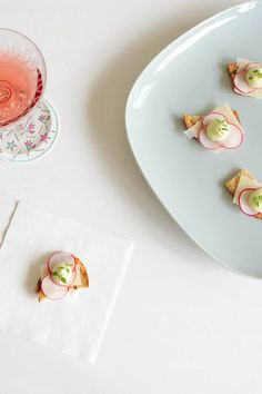The Ultimate Spring Canapé! Lightly toasted sourdough, shaved Parmesan, radish rounds asparagus cream (great for using up the woody ends of asparagus! Vegetarian Entrees, Going Vegetarian, Veg Recipes, Snack Recipes, Snacks, Appetizers For Party, Appetizer Recipes, Wedding Canapes