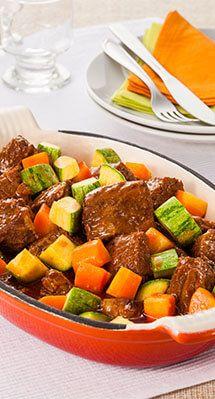 Ensopado de costela com ragu de legumes por Academia da carne Friboi