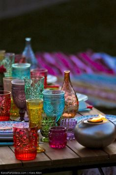 Picture your own backyard Boho party ᘡℓvᘠ❉ღϠ₡ღ✻↞❁✦彡●⊱❊⊰✦❁ ڿڰۣ❁ ℓα-ℓα-ℓα вσηηє νιє ♡༺✿༻♡·✳︎· ❀‿ ❀ ·✳︎· FR OCT 2016 ✨ gυяυ ✤ॐ ✧⚜✧ ❦♥⭐♢∘❃♦♡❊ нανє α ηι¢є ∂αу ❊ღ༺✿༻✨♥♫ ~*~ ♪ ♥✫❁✦⊱❊⊰●彡✦❁↠ ஜℓvஜ Gypsy Party, Bohemian Party, Hippie Bohemian, Bohemian Room, Bohemian Interior, Modern Bohemian, Bohemian Style, Jasmin Party, Yoga Studio Design