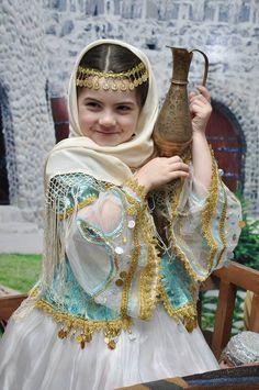 Azerbaycan TÜRK Kızımız Allah Nazardan Saklasın Güzelliğe Bakarmısınız