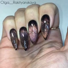 Semi-permanent varnish, false nails, patches: which manicure to choose? - My Nails Diy Nagellack, Nagellack Trends, Trendy Nails, Cute Nails, My Nails, Black Coffin Nails, Gold Nails, Witch Nails, New Nail Colors