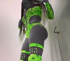 Naomi Wrestling Divas, Women's Wrestling, Black Is Beautiful, Gorgeous Women, Divas Wwe, Naomi Wwe, Trinity Fatu, Wwe Couples, Wwe Female Wrestlers