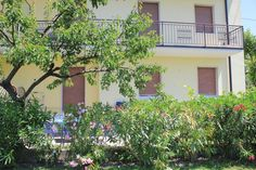 Apartment Casa Lorenzo – Bardolino for information: Gardalake.com