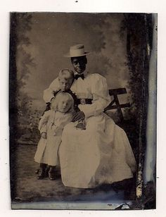 AFRICAN AMERICAN TINTYPE - BLACK AMERICANA NANNY DRESSED IN ALL WHITE - CHILDREN