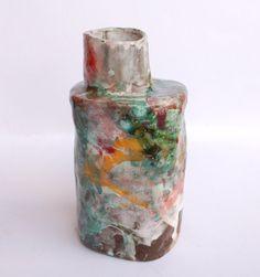 Pequeño florero de cerámica verde