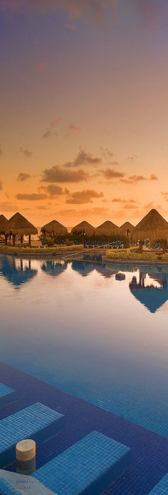 Playa Conchal, Cancun, Mexico...photo by Barry Grossman   LOLO