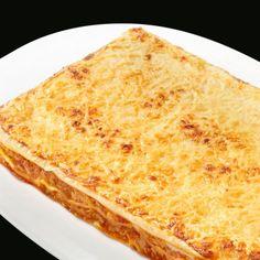 Lasaña de pollo y verduras (formato familiar): Una lasaña con mayúsculas, de sabor único, cremosa y sorprendente al paladar. En nuestra versión más grande. #formatofamiliar #comida #lasaña