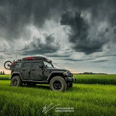 Another day and more #stormchasing #adventures . I've got so much video and photos to process i have no idea wgen I'll be able to find the time! #vagabondexpedition #Jeeps #JeepWave #stormchaser #abwx #abstorm #whatsyour20 #sevenslotbattalion #jeepmafia #jeepbeef #jeeplife #adventurephotography #wheresyouradventure #jeepwranglerunlimited