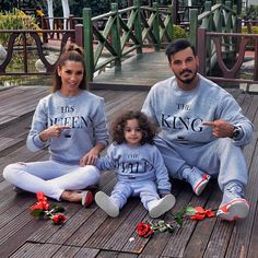 2017 Casual Long Sleeve Tops King Queen Printed Pullover Hoodies Couples Lovers Sweatshirt Family Men Women Child Plus Size Cute Family, Family First, Family Goals, Couple Goals, Couple Outfits, Matching Family Outfits, Paar Style, Kids Fashion, Autumn Fashion