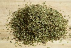 Oregano is a wonderful herb, and comes in use both in cooking and in therapeutic processes. Buy your way to great health and taste with our authentic and directly sourced Oregano herb from the spice plantations of Ooty. How To Dry Oregano, How To Dry Basil, Oregano Plant, Basil Leaves, Oregano Oil Capsules, Home Remedies For Bronchitis, Sinus Remedies, Cold Remedies, Recipes