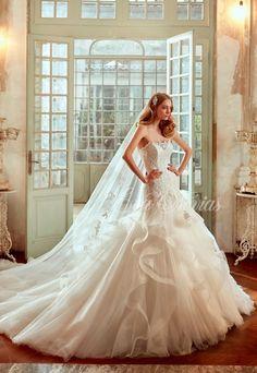 Vestido de novia Modelo 17057.  Nicole Spose colección 2017 en Eva Novias Madrid.