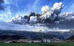 The Eyjafjallajökull volcano eruption in south Iceland Volcano Iceland, Globe Picture, Photography Competitions, Iceland Travel, Beautiful World, Beautiful Things, Mother Nature, Trip Advisor, Italia