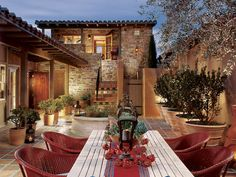 I want a house with a courtyard! Love the privacy.