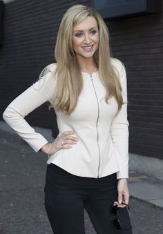 Catherine Tyldesley, Soap Stars, Coronation Street, Hair Color And Cut, Tv Actors, Pretty Woman, Work Wear, Hair Makeup, Actresses