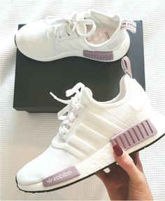 womens running shoes trainers NMD white and purple pink adidas shoes … Damen Laufschuhe Trainer NMD weiß. Cute Sneakers, Sneakers Mode, Sneakers Fashion, Fashion Outfits, Fashion Belts, Fashion Games, Fashion 2018, Men Fashion, Shoes Sneakers