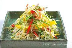 콩나물무침 (콩나물샐러드)~ 이색콩나물무침, 콩나물요리 : 네이버 블로그 Japchae, Sushi, Cabbage, Cooking Recipes, Vegetables, Ethnic Recipes, Foods, Chef Recipes, Food Food