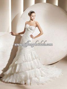 Francois J. La Sposa Wedding Dresses, Wedding Dress Styles, One Shoulder Wedding Dress, Fashion Dresses, Elegant, Interiors, Domingo, Fashion Show Dresses, Classy