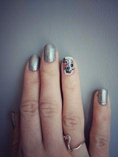 Skull nails 💅