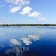 Blue sky, smiling at me. Nothing but blue skies, do I see. #summerday #finland #visitfinland #visitkotka #sea #stillwater #mirrorpic #skyporn #cloudporn #cloudchaser #blueskies #bluesky #instatravel #travellife #travelogue #wanderlust #worlderlust #instagramhub #scenic #beautifuldestinations #traveller #travelblogger #blue #nofilter #iphone6