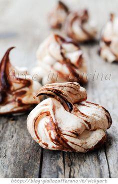 Meringhe alla nutella ricetta veloce, aggiungere 10 min a 140 gradi