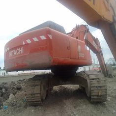 Move your Used Hitachi Excavator EX370-5 by pushing and pulling