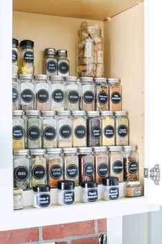 The Best DIY Hack for Organizing Spices in a Cabinet - Build a DIY tiered spice rack and get your spice cabinet organized! This organization hack uses the vertical space of your cupboard to keep your countertop and drawer space clear while making it easy Diy Organizer, Spice Rack Organization, Closet Organization, Kitchen Organization, Organization Ideas, Organizing Kitchen Cabinets, Spice Rack Organiser, Kitchen Storage, Diy Spice Rack