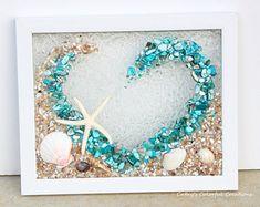 Glass art On Wall - - Smashed Glass art Beautiful - Broken Glass Art, Sea Glass Art, Stained Glass Art, Shattered Glass, Seashell Art, Seashell Crafts, Resin Crafts, Resin Art, Art Crafts