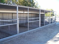 Idea for horse corrals http://www.billetbarns.com/images/Additions/adn271.JPG